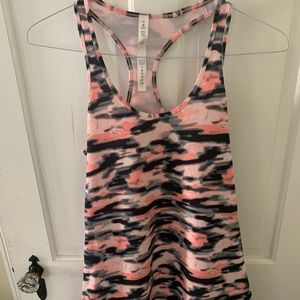 Lululemon tank fitted size 10